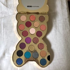 Exclusive Moschino + Sephora eyeshadow palette